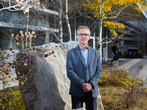 David Eaton, a professor of geophysics at the University of Calgary, and former postdoctoral scholar Xuewei Bao have released a new study that reveals how hydraulic fracturing induces tremors.