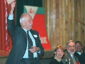 Edmonton - Nick Taylor is introduced tonight at a dinner put on for Taylor's upcoming retirement. Sept. 7/02 Alberta Liberals hold a tribute to Sen. Nick Taylor, who once led their party, as he prepares to retire from politics in the fall.