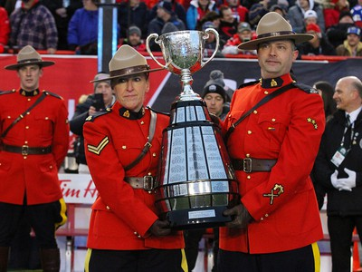 The Grey Cup arrives before the 107th Grey Cup CFL Championship football game in Calgary at McMahon Stadium, Sunday, November 24, 2019.  Jim Wells/Postmedia
