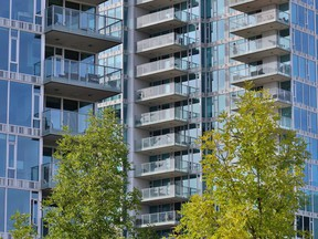 If the condo board changes insurers, owners must be apprised.