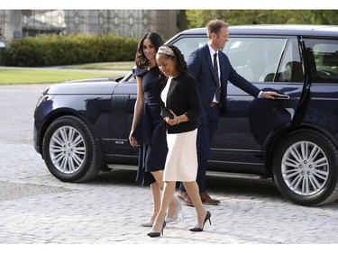 Meghan Markle, centre left and her mother, Doria Ragland, arrive at Cliveden House Hotel, in Berkshire, England, Friday, May 18, 2018 to spend the night before her wedding to Prince Harry on Saturday. (Steve Parsons/Pool Photo via AP) ORG XMIT: LON112