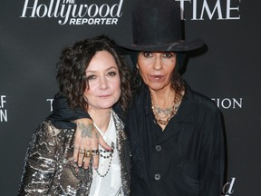 Sara Gilbert, left, and Linda Perry attend the Sean Penn J/P HRO gala benefiting J/P Haitian Relief Organization and a coalition of disaster relief organizations at Wiltern Theatre on Jan. 5, 2019 in Los Angeles, Calif. (Rich Fury/Getty Images)