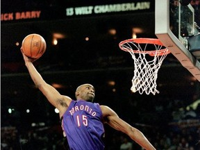 13 Feb 2000: Vince Carter #15 of the Toronto Raptors jumps to make the slam dunk during the NBA Allstar Game Slam Dunk Contest at the Oakland Coliseum in Oakland, California.