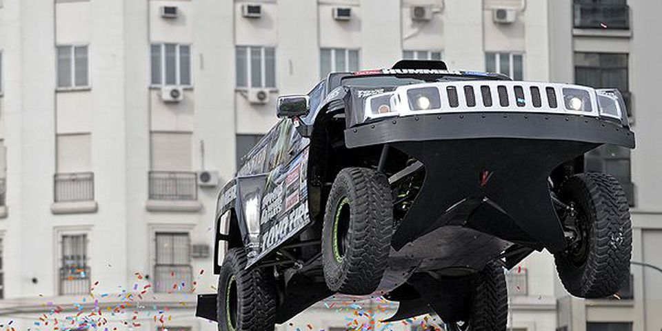 JANUARY 1, 2010: US Robby Gordon US steers his Hummer with co-driver Andy Grider during the presentation of the Dakar 2010 on Januray 1, 2010 in Buenos Aires.