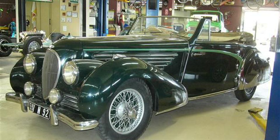 The Delahaye is all original and never damaged.