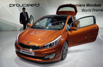 The new KIA Pro_cee'd three-door hatchback was on unveiled during the press day at the Paris Auto Show.