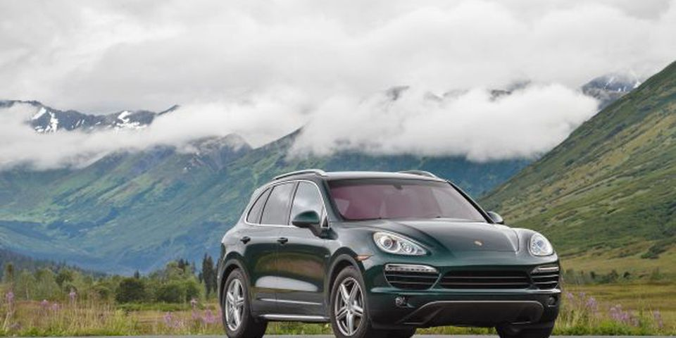 With the Porsche Cayenne Diesel already selling well in Europe, the manufacturer thinks North American buyers will also be interested in a luxury sport utility vehicle that gets better mileage.