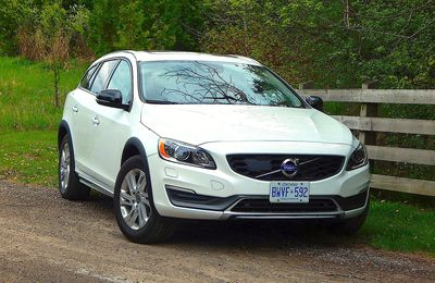 2015.5 Volvo V60 Cross Country T5 AWD Platinum