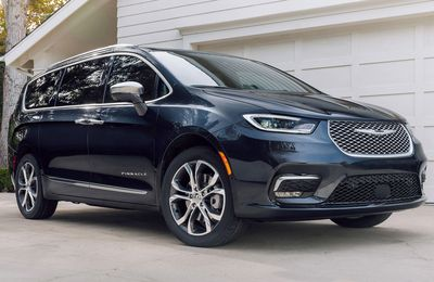 The 2021 Chrysler Pacifica Pinnacle™ was created for those who desire a minivan loaded with premium appointments and features.