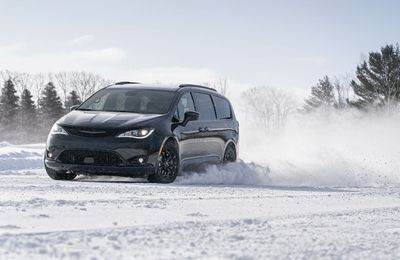 The 2020 Chrysler Pacifica AWD Launch Edition, which is equipped
