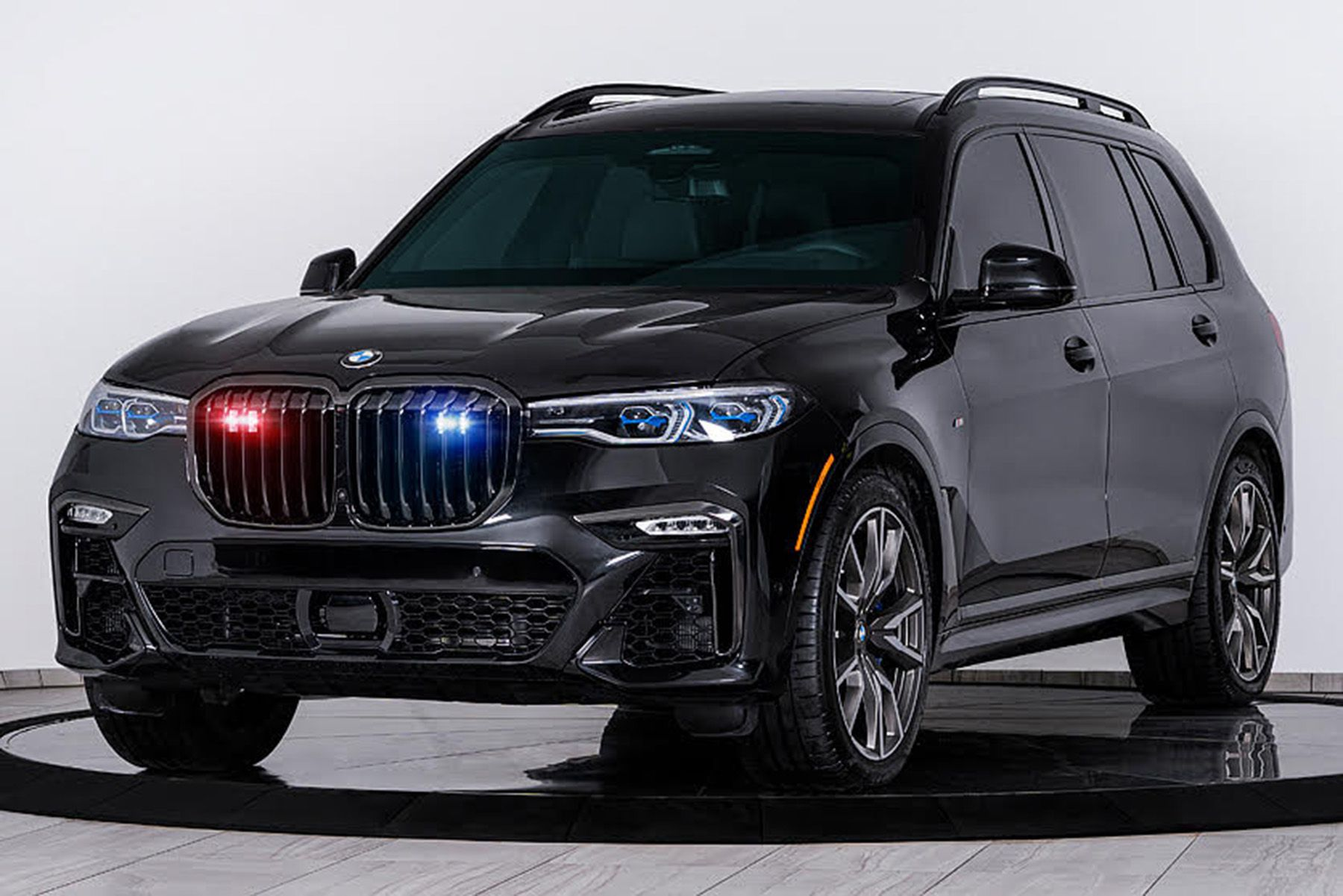 B.C. court orders seizure of leased BMW X7 to prevent its export from Canada