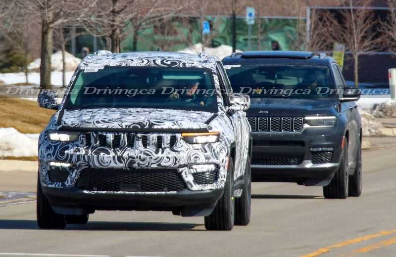 2022 Jeep Grand Cherokee Spy Photo