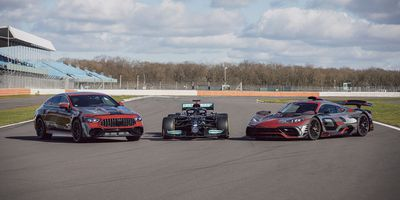 Noch engere Partnerschaft der Performance-Spezialisten: Mercedes-AMG und das Mercedes-AMG Petronas F1 Team intensivieren ZusammenarbeitEven closer partnership between the performance specialists: Mercedes-AMG and the Mercedes-AMG Petronas F1 Team step u