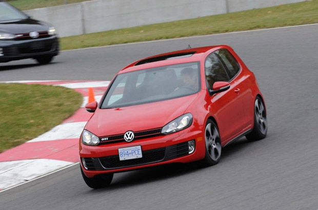 2010 Volkswagen Golf GTI at Circuit Mont-Tremblant.