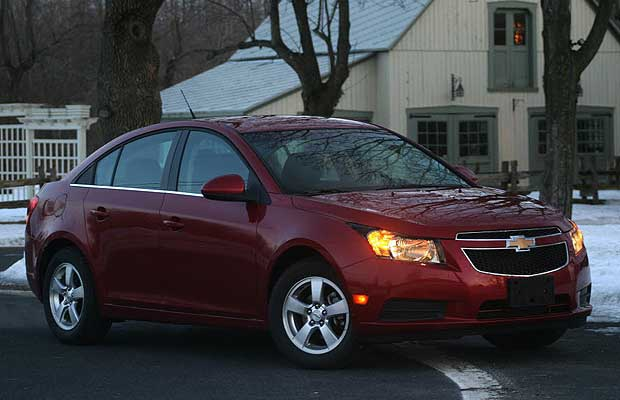 The 2011 Cruze LT has brought together crisp exterior styling with a modern interior.
