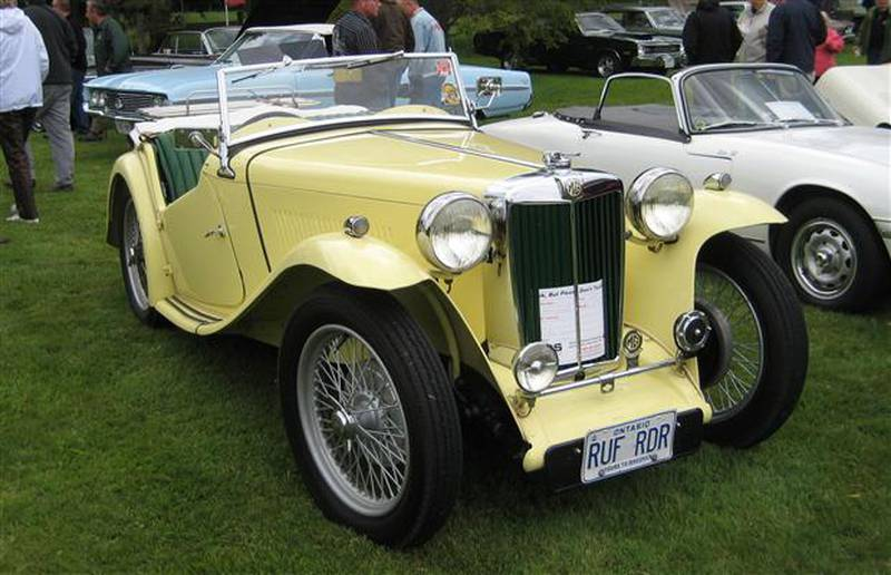 Vintage MG at the 2012 Fleetwood Cruize-In.