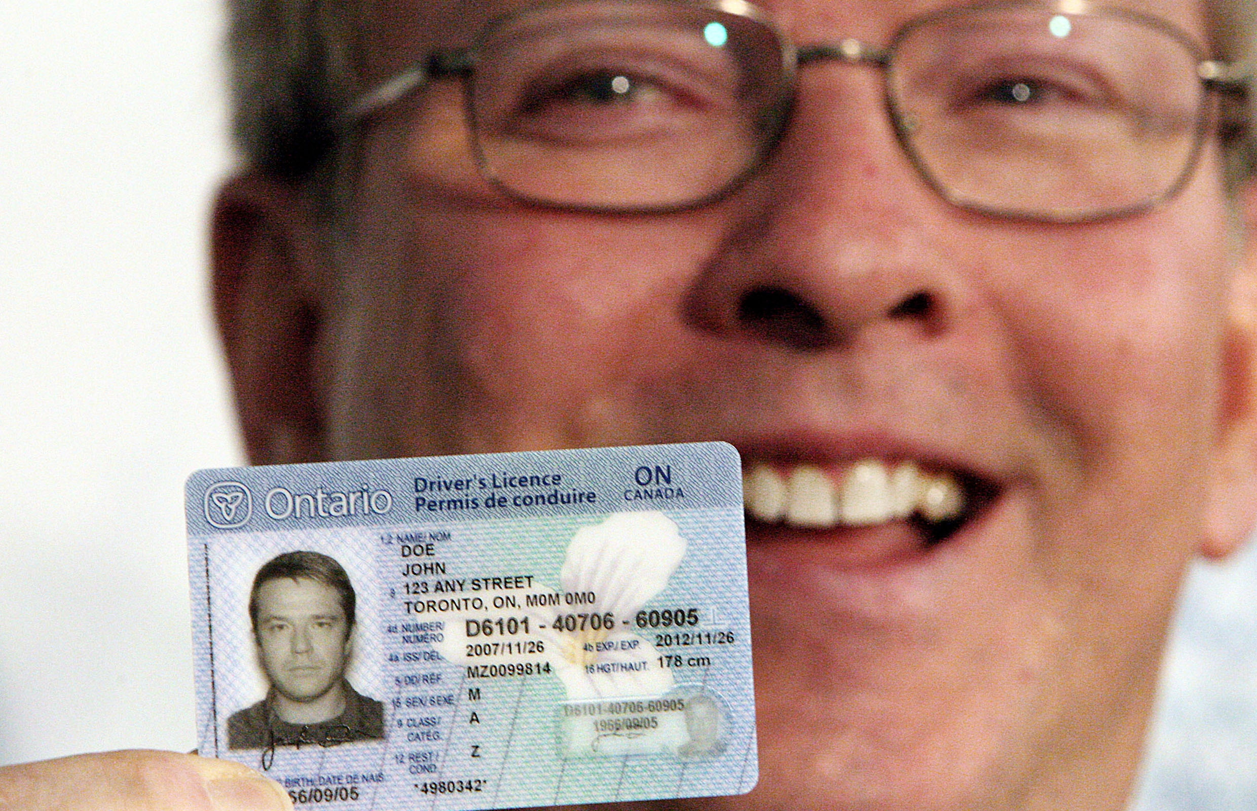 Ontario First To Allow Online Driver S Licence Renewal Driving