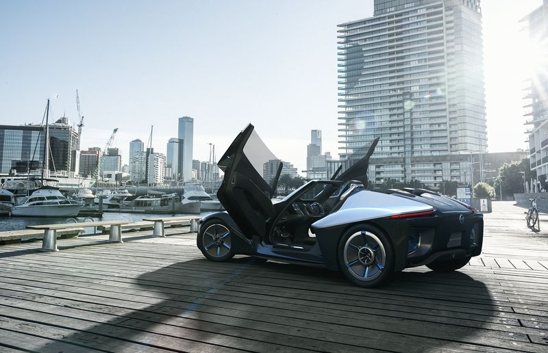 The BladeGlider will sport a lightweight lithium-ion battery and electric motors at each wheel.