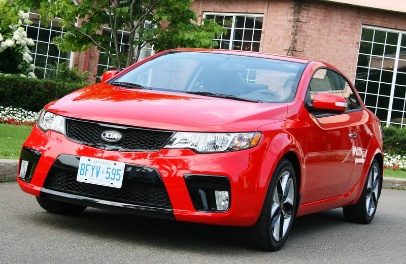 For $20,995, the Kia Forte Koup includes 17-inch alloys, heated front seats and a 173-hp four — and it looks professional and stylish.