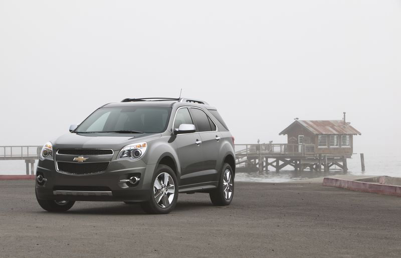 The Chevrolet Equinox and its GMC sibling, the Terrain, were the only two to score top honours from the IIHS' latest round of crash tests for midsize SUVs.