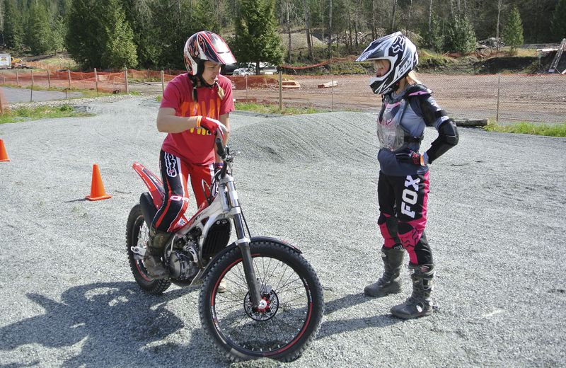 Christy Richards demonstrates a few techniques regarding trials riding on her 2014 Montesa Cota 4RT260 trials bike.