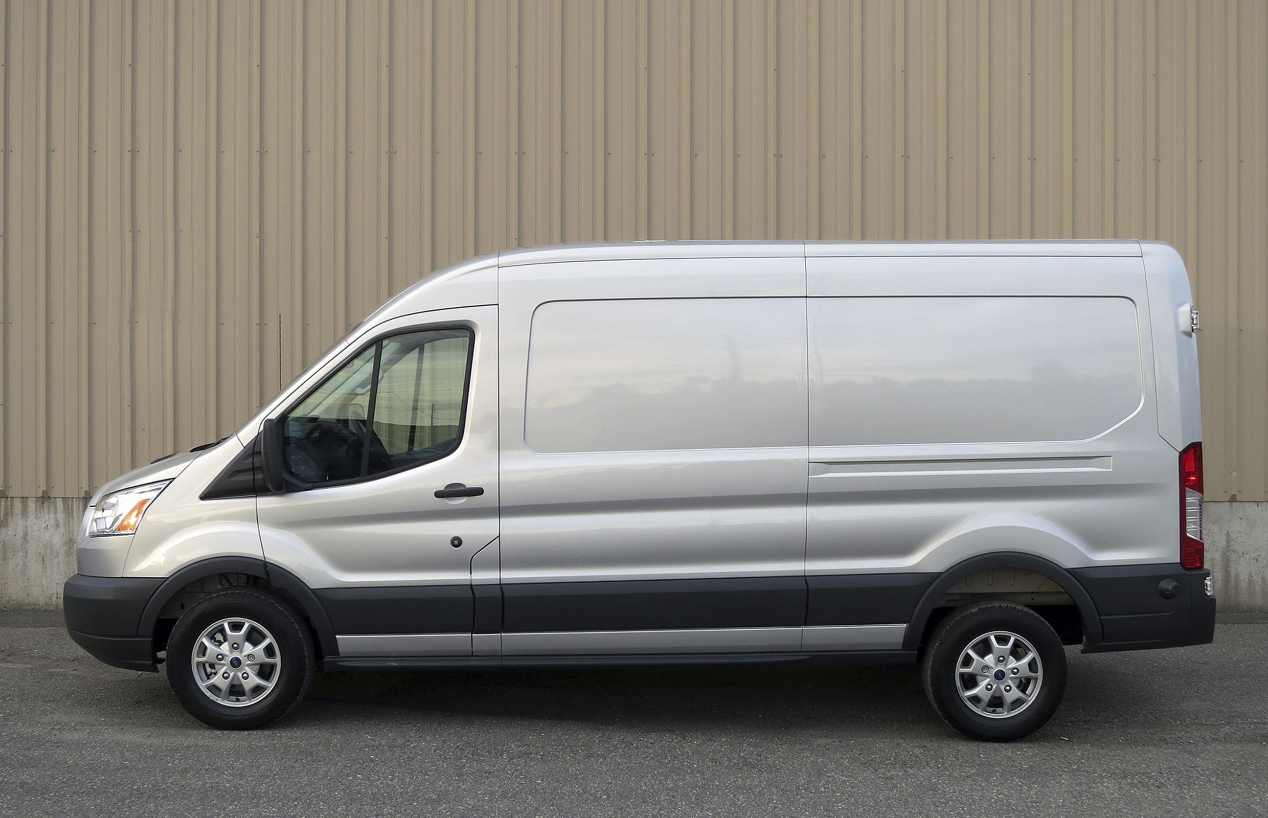 Ford_Transit_Profile.jpg