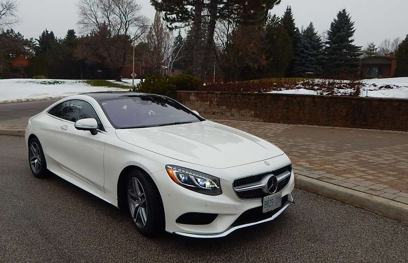 The 2015 Mercedes-Benz S 550 4Matic Coupe is exceedingly luxurious.