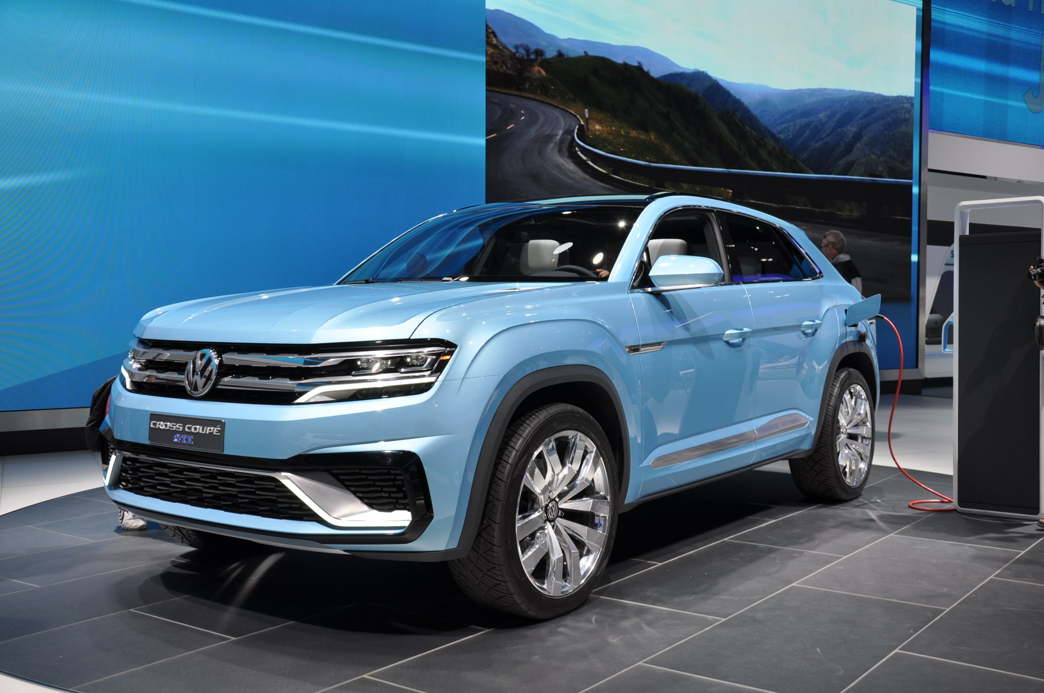 2017 Volkswagen Cross Coupe GTE