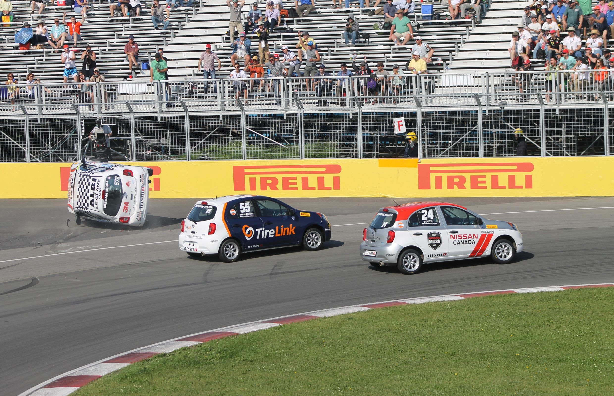 2015 Nissan Micra Cup.