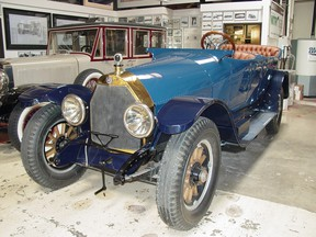 The Owen Magnetic had an electric five-speed transmission and was costly at $6,000.