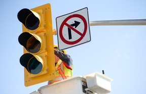 When approaching any intersection with an inoperative signal light there are a few things you can do to make things go smoothly.