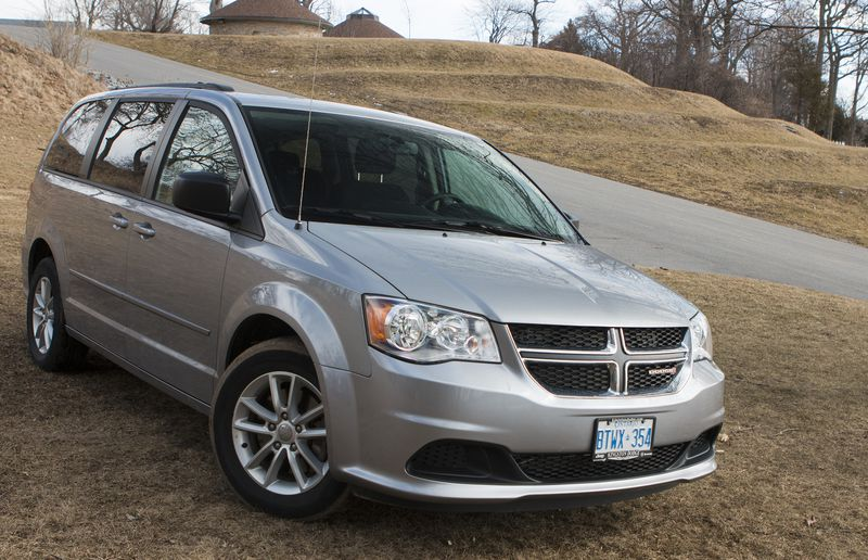 Dodge Grand Caravan vs Chrysler Pacifica