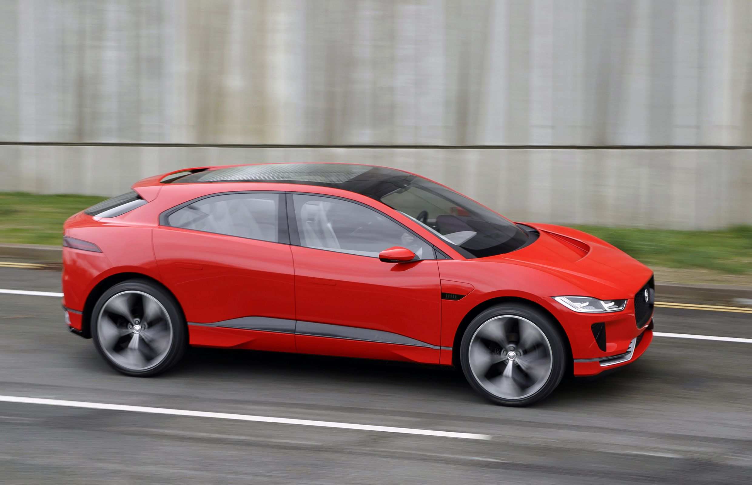 jag ipace conceptdynamic150317020