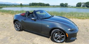 The model year 2018 marks the last iteration of the fourth generation MX-5, a great value-for-money sports car that recalls the glory days of British roadsters.