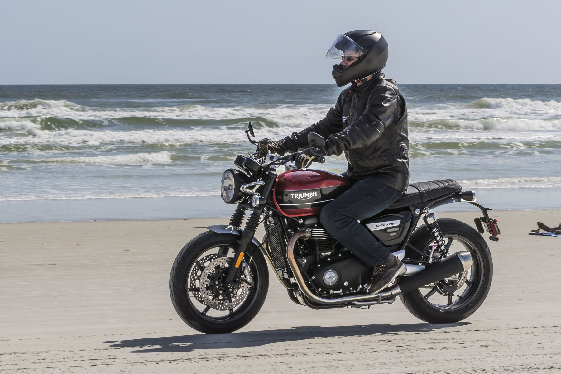 First Ride 2019 Triumph Speed Twin Driving