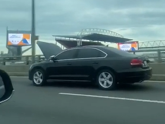 bad driver of the week hood open toronto sun vw passat