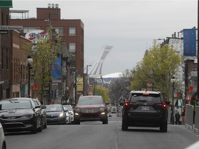 Delivery trucks will be allowed to circulate east-bound on Mont-Royal Ave. each day from 7 to 11 a.m.