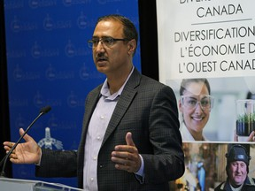 Amarjeet Sohi (Federal Minister of Natural Resources) announced in Nisku, Alberta on Friday June 28, 2019 that four organizations in Alberta and five in Saskatchewan will receive $4,489,100 funding through the Canada Coal Transition Initiative. The funding will support skills development and economic diversification activities to help communities transition to a clean growth economy.
