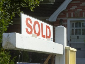 Canadian home buyers are getting involved in bidding wars during the pandemic.