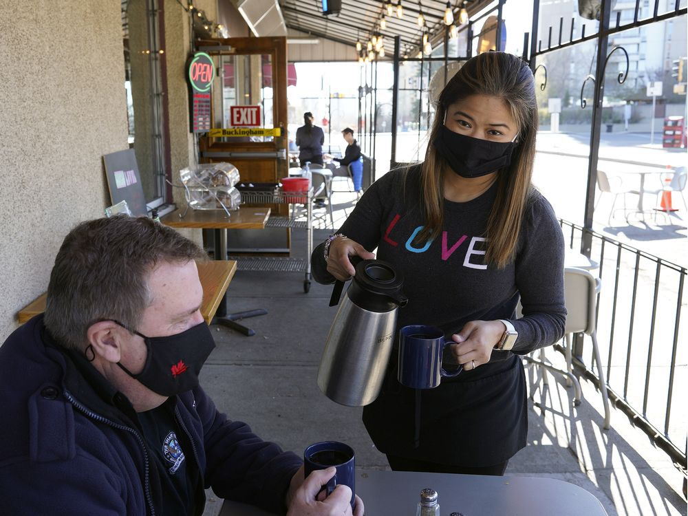Edmonton restaurants frustrated by Alberta's tougher COVID-19 restrictions