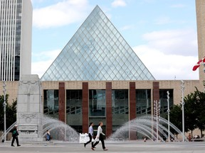 Edmontonians can go to the polls starting Monday to vote in the civic election. Advance polls run from Oct. 4-13.