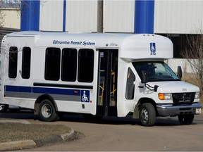 An Edmonton Transit Service DATS bus turns the corner off of 86 St onto 57 Ave April 10/06 afternoon.n/a