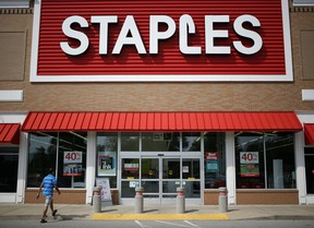 Staples Inc, the largest U.S. office supplies retailer, is considering selling itself, sources say.