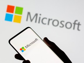 Microsoft's follow-up to its first phone, the Surface Duo, addresses complaints about two key features: cellular connectivity and cameras.