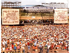 The crowd at the third annual Big Valley Jamboree on July 21, 1985.