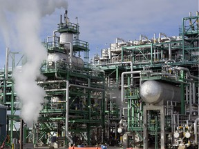 Parts of Section V of the Co-op Refinery Complex look like a giant jumble of pipes, vessels, tanks and wiring but amount to an impressive engineering feat.