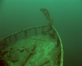 The bow of the Jane Miller shipwreck in Colpoy's Bay.