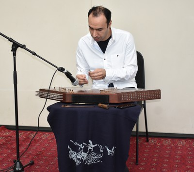 Musician Amin Reihani playing an Iranian santoo provides a mesmerizing pop-up performance at the Aga Khan Museum. Pop-ups feature an array of music played on instruments not often heard in North America. (BARBARA TAYLOR, The London Free Press)
