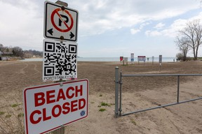 Port Stanley beach closed sign.  (Mike Hensen/The London Free Press)