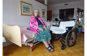 Beverly Spanier at her home in Montreal  on Friday, August 1, 2014. She is not getting the help she needs from the CLSC, but thanks to help from friends she can pay for extra care. She needs almost 24 hours of homecare.
